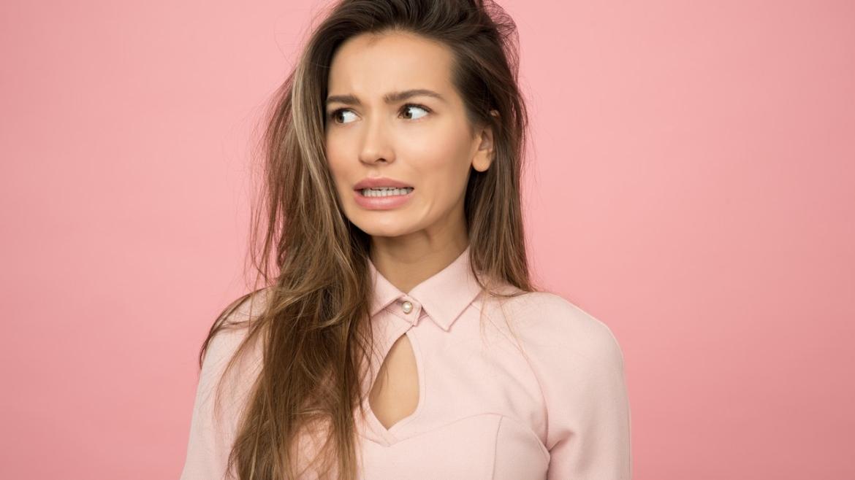 Comment lisser ses cheveux sans les abîmer ?